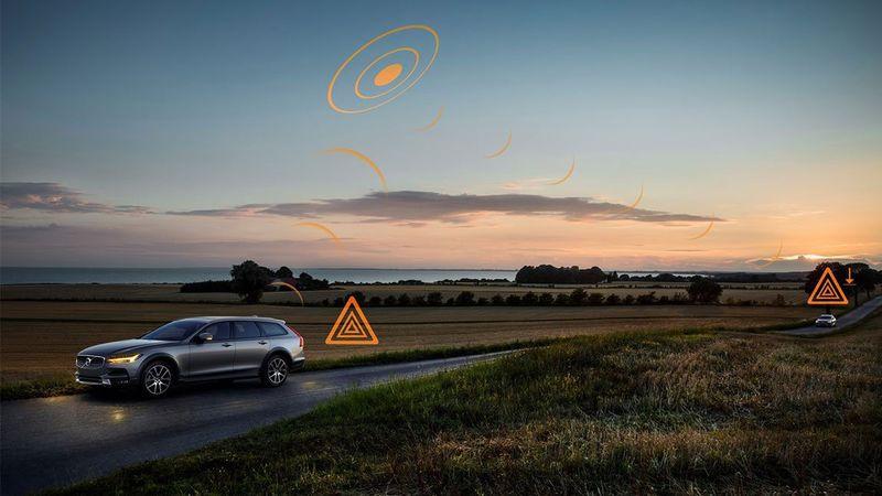 Τα αυτοκίνητα της Volvo θα ειδοποιούν το ένα το άλλο για κινδύνους στο οδόστρωμα