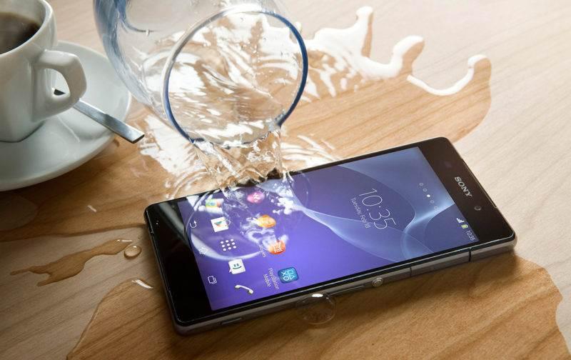 easyservice-σώζοντας-κινητό-απο-νερο